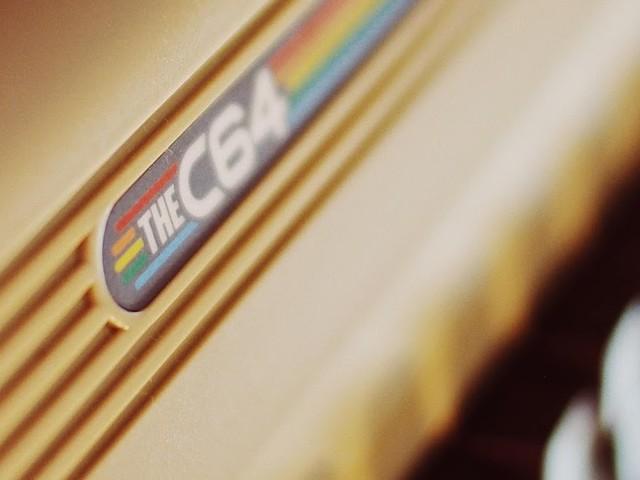 Der 'TheC64' Micro Computer im Closer Look | Plus Retro Gaming Tipps