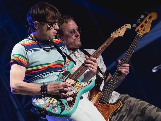 Weezer haben schon wieder ein neues Album angekündigt – mit lustigem Video