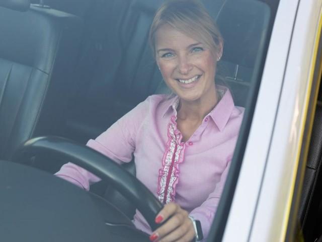 Warum eine Akademikerin liebend gerne Taxi fährt