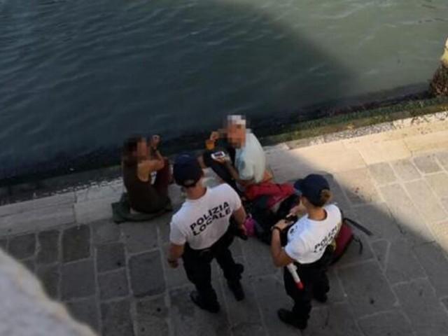 Venedig: Deutsche Touris kochen Kaffee – 1.000 Euro Strafe