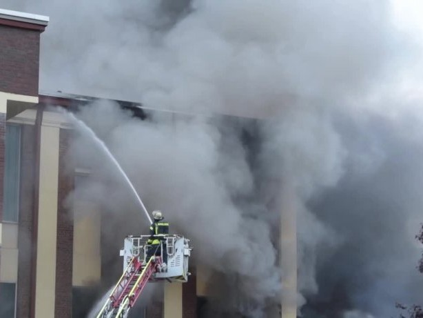 Produktionshalle in Eilpe in Flammen