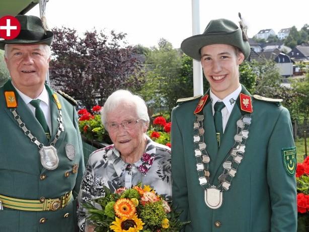 Schützenfest: In Wennigloh mit Böllern zum Schützenfest-Feeling