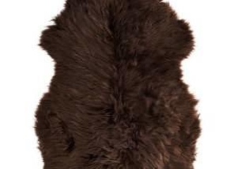 """""""Game of Thrones"""": Jon Snow trägt in Wirklichkeit keinen Mantel, sondern einen IKEA-Teppich"""