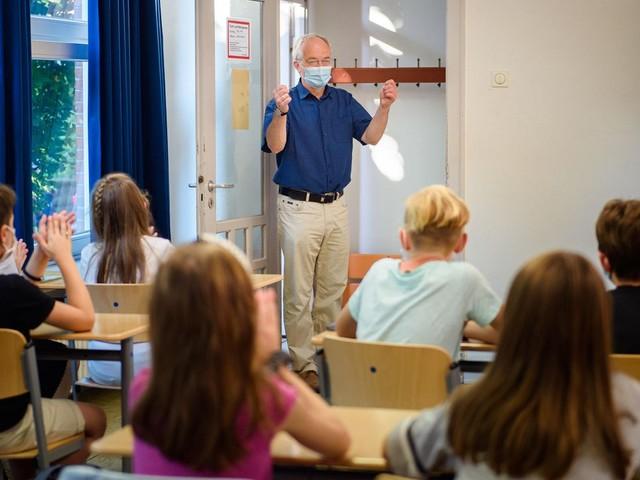 Schulstart in drei Bundesländern: Zurück in die Klassenzimmer – aber für wie lange?