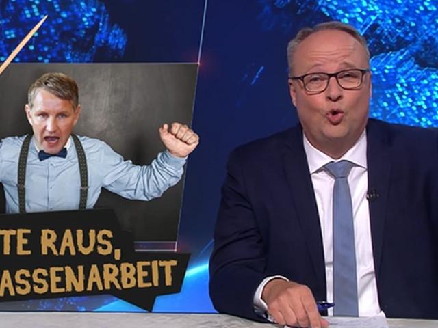 """Nach ZDF-Eklat: Oliver Welke macht in """"heute show"""" bösen Höcke-Witz - Raunen im Publikum"""