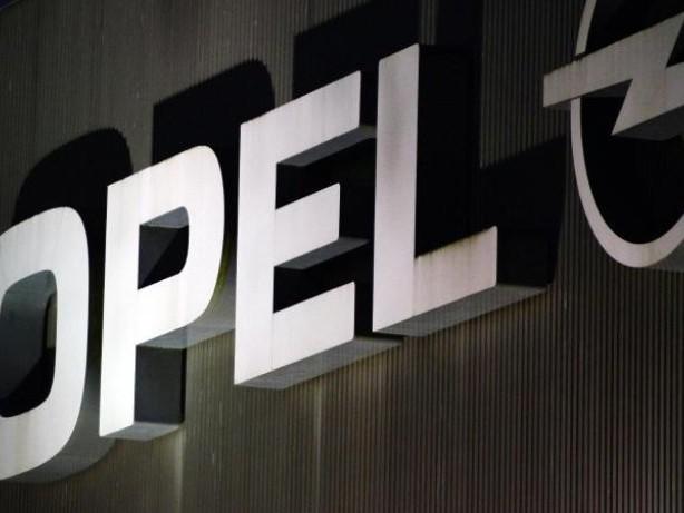 Software-Updates verschleppt: Kraftfahrt-Bundesamt will Rückruf für Opel-Diesel anordnen