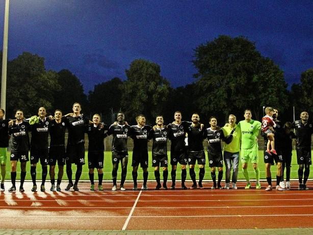 Fußball: RWO-Sieg: Die Kleeblatt-Walze kommt ins Rollen