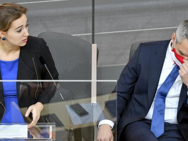 NR-Sondersitzung: Misstrauensantrag gegen Nehammer