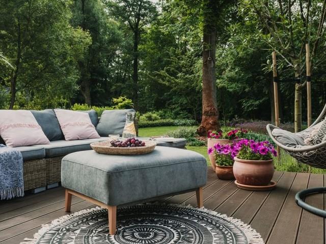 In 5 Schritten zur gemütlichen Outdoor-Lounge