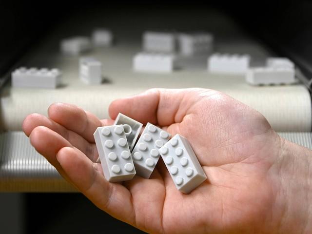Bauklotz der Zukunft: Limoflaschen zu Legosteinen