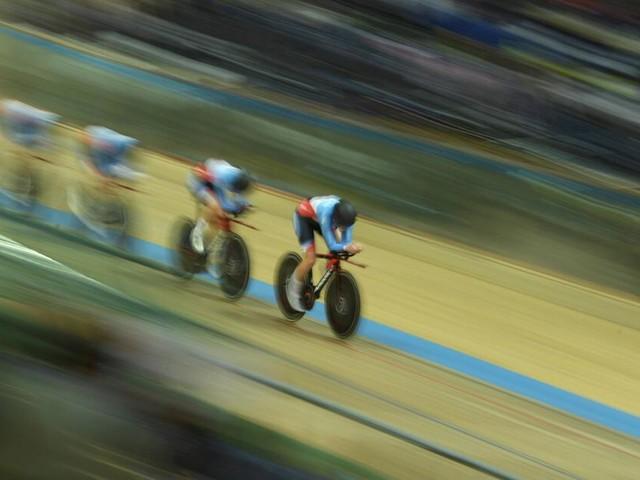 Holzstück durchbohrt Bahnradsportler Lorenzo Gobbo bei Sturz