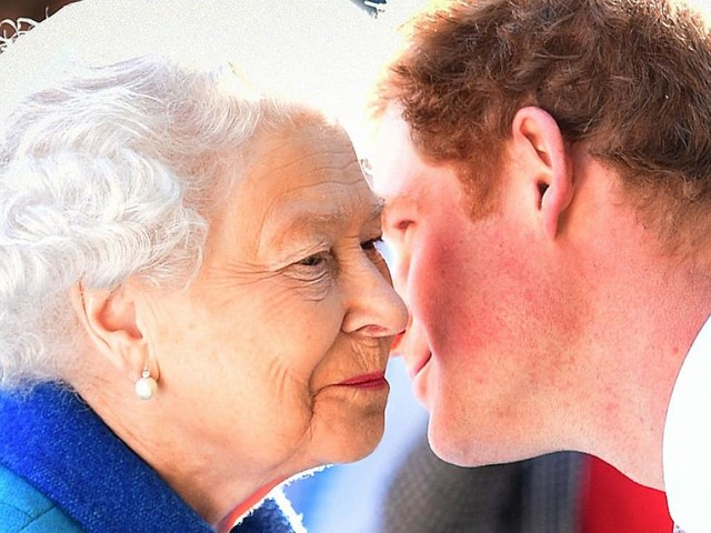 Ausgang ungewiss: Queen soll Harry zum privaten Gespräch geladen haben