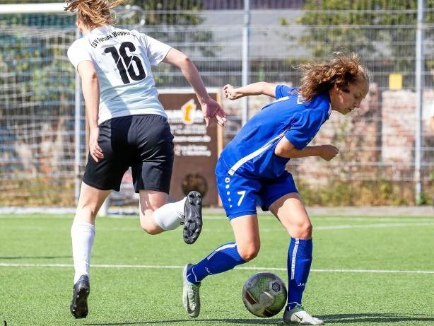 Frauenfußball Kreispokal: SuS Niederbonsfeld ist mit späten Toren eine Runde weiter