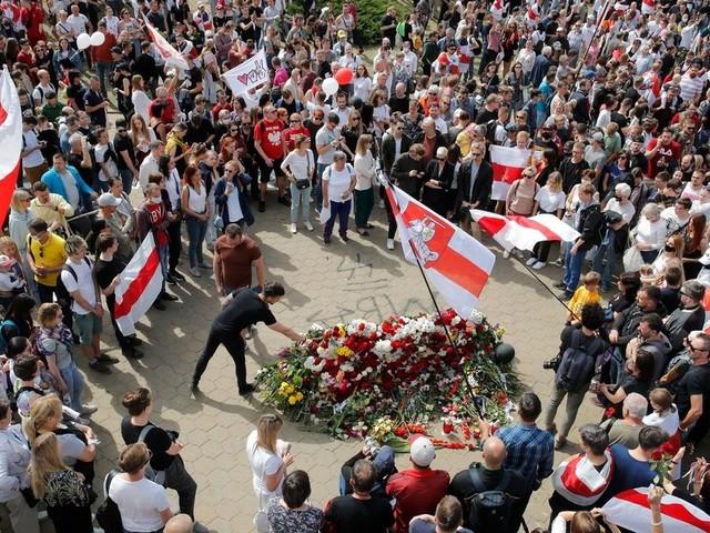 Zehntausende demonstrieren in Belarus gegen Lukaschenko
