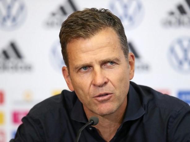 Fußball: Bierhoff: Fußball und Nationalmannschaft nicht abgehoben