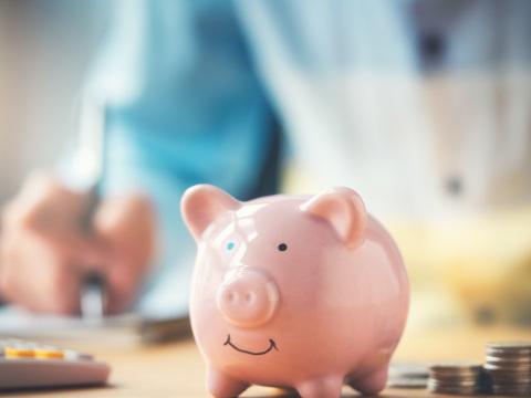 Mehrere Tausend Euro im Jahr sparen: Auf diese acht Kostenfresser sollten Sie achten