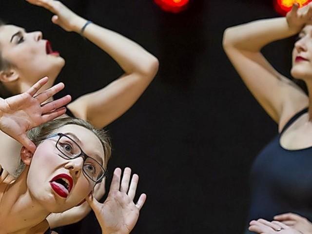 """Zwei Vorstellungen von """"Hochschulsport goes Dance"""""""