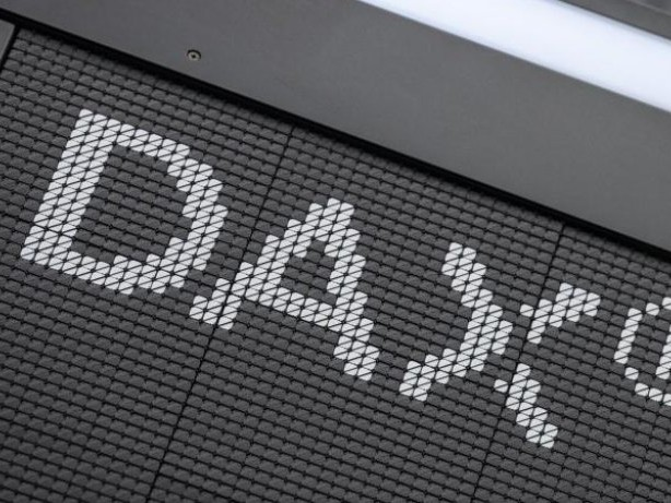 Börse in Frankfurt: Dax bleibt unter Druck