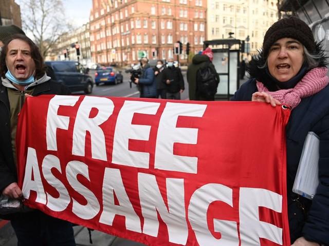 Bedrohung der Pressefreiheit: Julian Assange ist überall - Kommentar