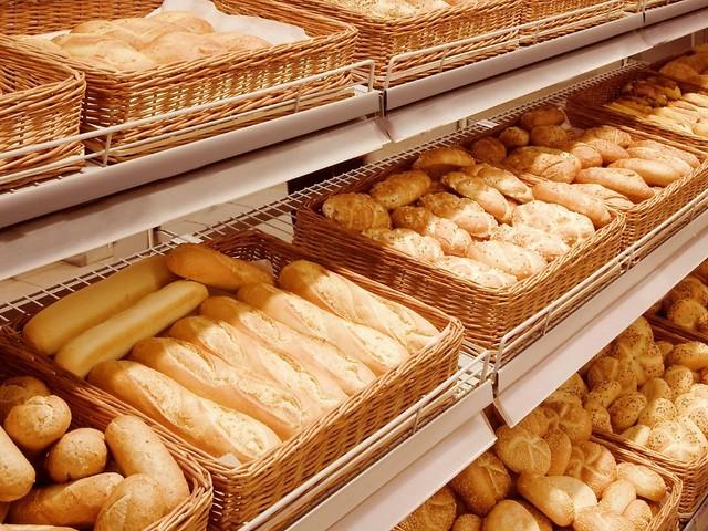 Gericht lockert Beschränkung: Brötchen gibt's beim Bäcker jetzt den ganzen Sonntag