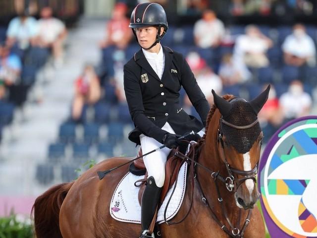 Ganderkeseerin Sandra Auffarth belegt in Tokio mit dem Team Platz vier