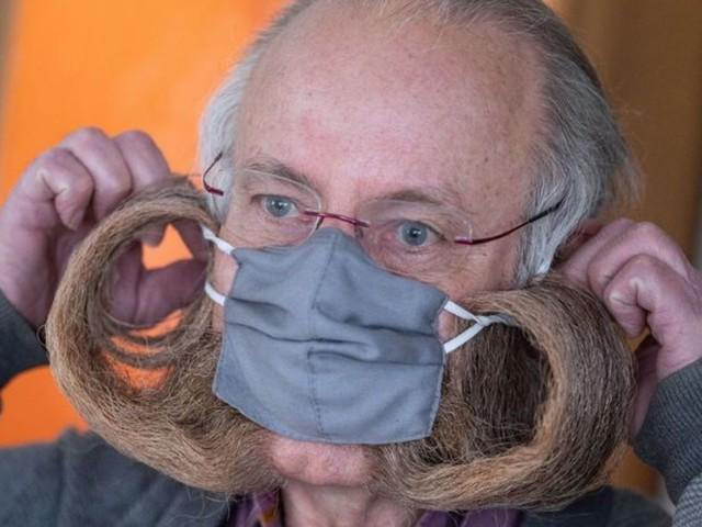 Extreme Gesichtsbehaarung: Warum der Bart-Weltmeister mit der Maske keine Probleme hat