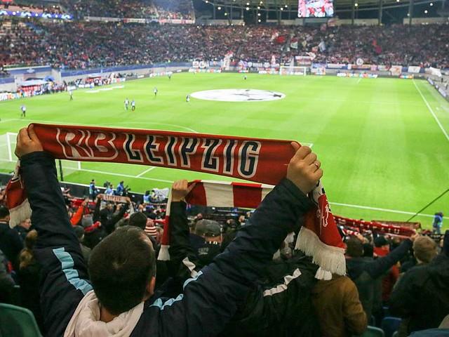 "Bundesliga: Kritik an Zuschauer-Plänen: ""Auf Risiko"""