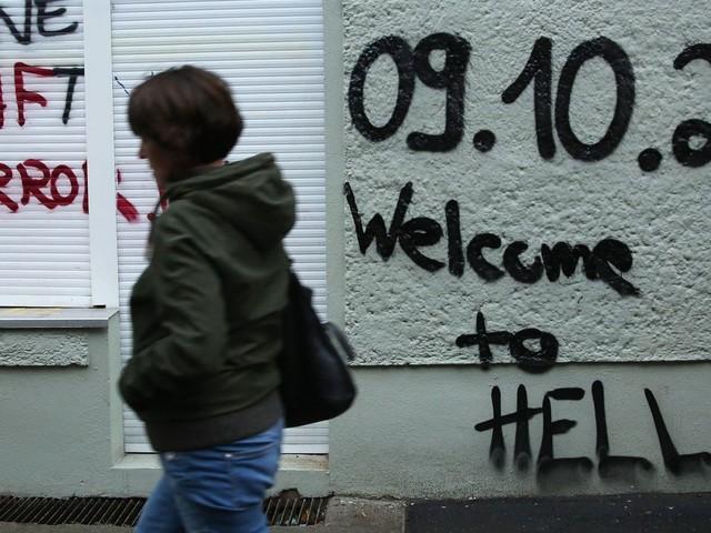 Friedrichshain-Kreuzberg: Gewalt erlaubt, Corona egal, Heizpilz verboten