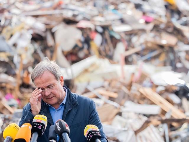 Armin Laschet trifft die Wut der Flutopfer: »Sie sind ein riesengroßer Versager!« - Video-News