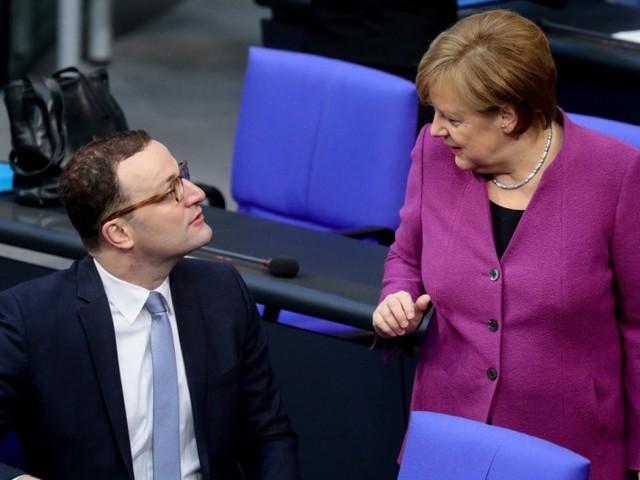 Merkel will ihren stärksten Kritiker ins Kabinett berufen