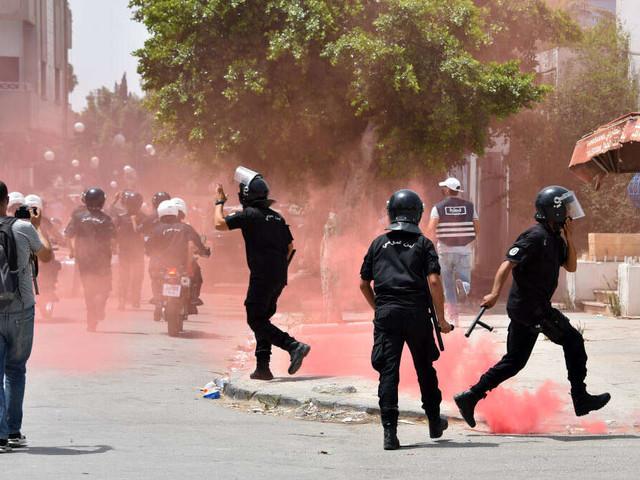 """""""Staatsstreich"""" in Tunesien? Präsident feuert Regierungschef - Jubel und Anspannung im Land"""