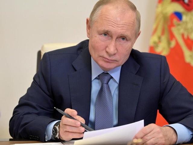 Immer neue Corona-Höchststände: Putin greift durch und verordnet Zwangsurlaub