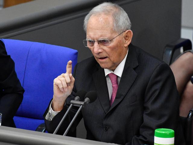 Lockerungen für Geimpfte? Schäuble rügt Alleingänge der Bundesländer