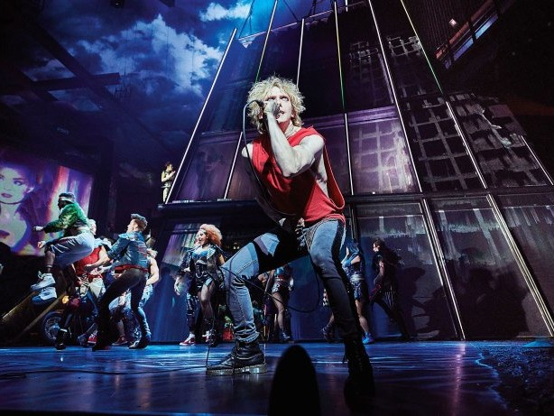 "Musical: Roland Schimmelpfennig übersetzt Musical ""Bat out of Hell"""