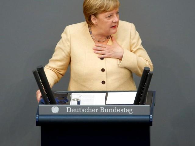 Merkel warnt vor SPD-geführter Regierung mit den Linken