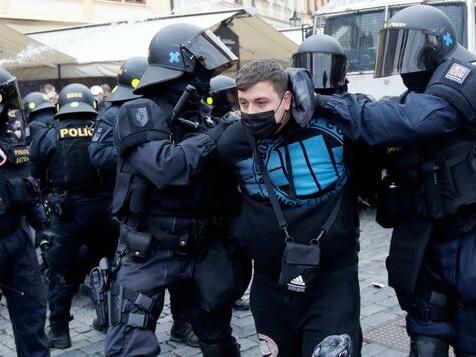 Ausschreitungen bei Anti-Corona-Protesten in Tschechien