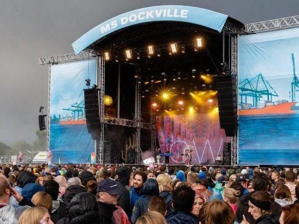 Musik-Event: «MS Dockville»: Rund 20.000 Besucher feiern Festivalauftakt
