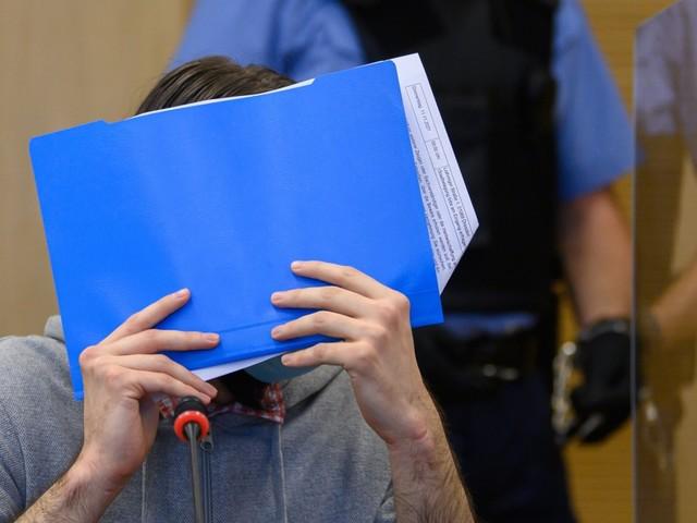 Anklage in Dresden: Beim Wickeln Kleinkinder missbraucht