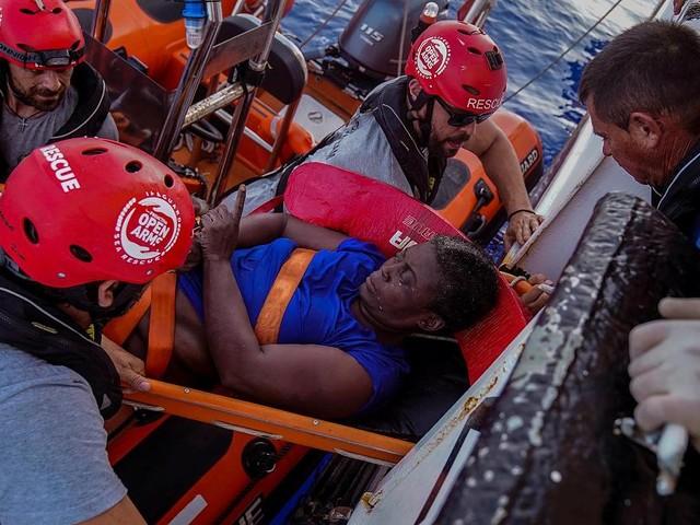 """Journalistin im Mittelmeer: """"Das Kind trieb tot im Wasser"""""""