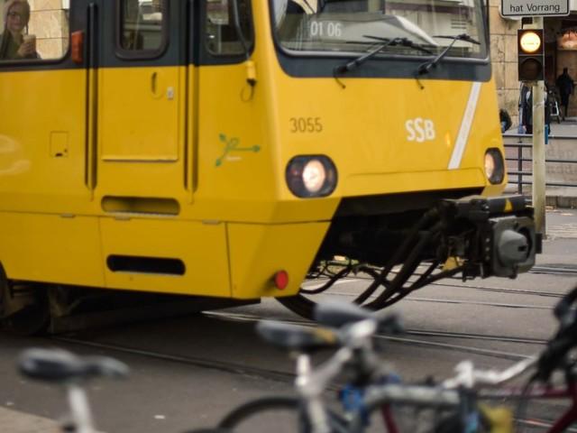 Unfall in Bad Cannstatt: Stadtbahn erfasst 15-jährigen Fußgänger