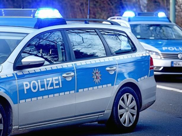 Polizei in Hagen: Hagen: Betrunkener flippt aus und wütet mit der Axt