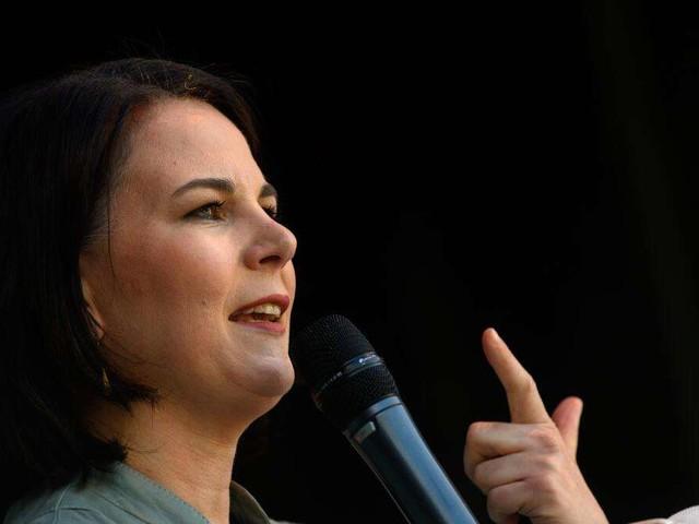 Umfrage zur Bundestagswahl: Laschets Union nach Wochen wieder vorn - Baerbock rutscht gewaltig ab