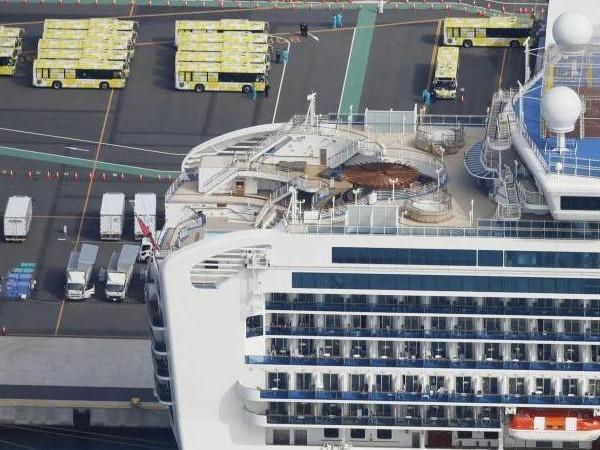 Nach Quarantäne: Erste Passagiere verlassen die «Diamond Princess»
