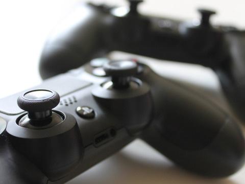 Sieht so die PlayStation 5 aus? Entwickler bestätigt Echtheit von geleakter Konsole
