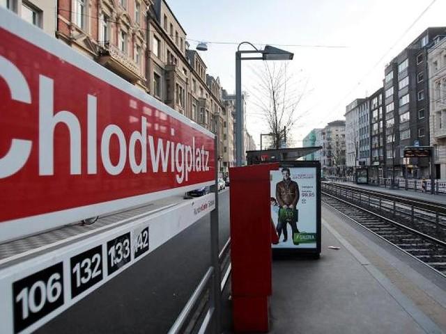 Ermittler schließen tragischen Unfall nicht aus - Tatverdächtiger nach Tod von Polizist im Kölner Karneval freigelassen