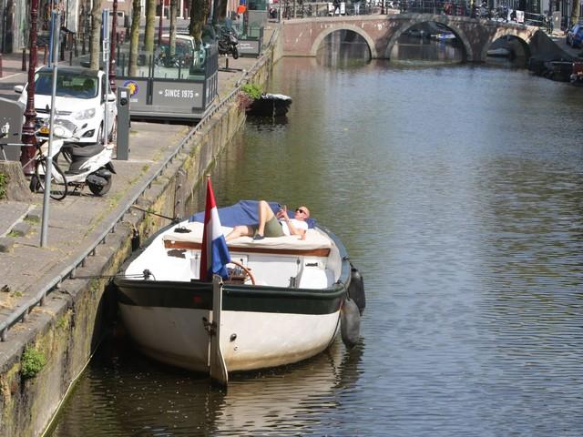 Niederländer bitten Deutsche: Bleibt an Pfingsten zu Hause!