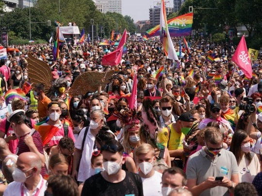 Berlin - Tausende feiern den Christopher Street Day