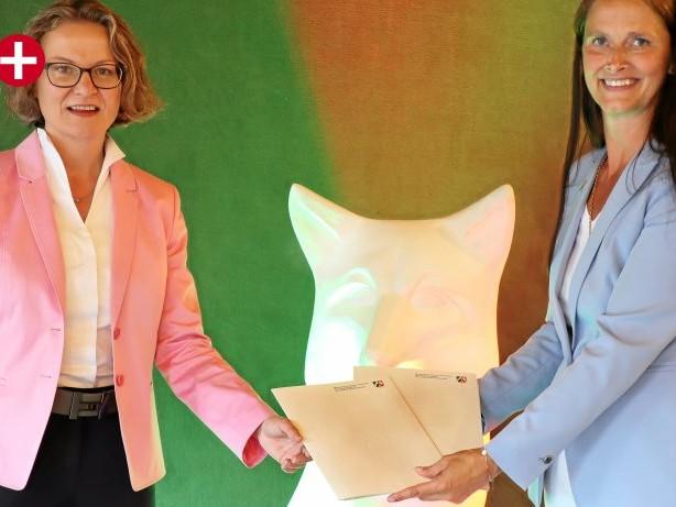 Förderbescheide überreicht: Ennepetal: Ministerin Scharrenbach kommt mit vollen Händen