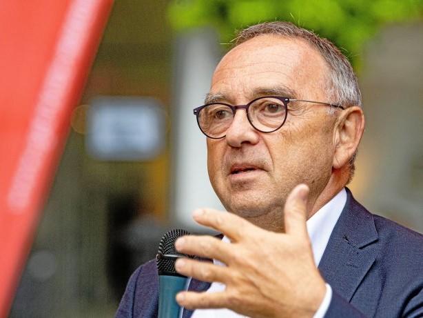"""Interview: Walter-Borjans: """"Befragung der Mitglieder ist eine Option"""""""