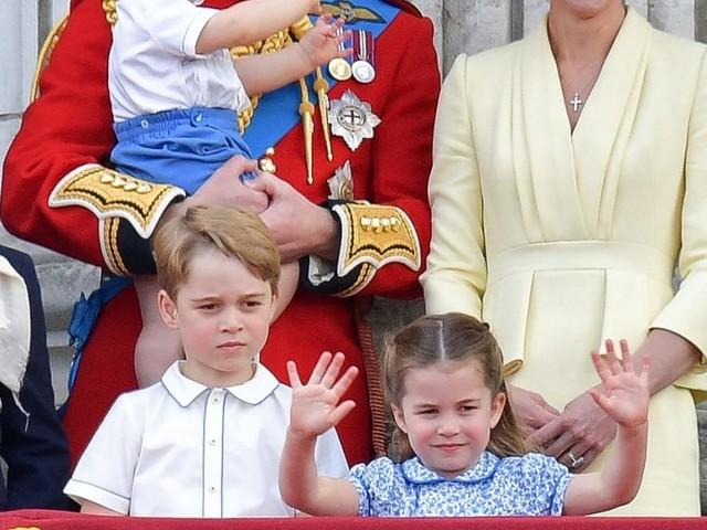 Sechsjährige Prinzessin Charlotte erzählt allen, sie sei schon 16